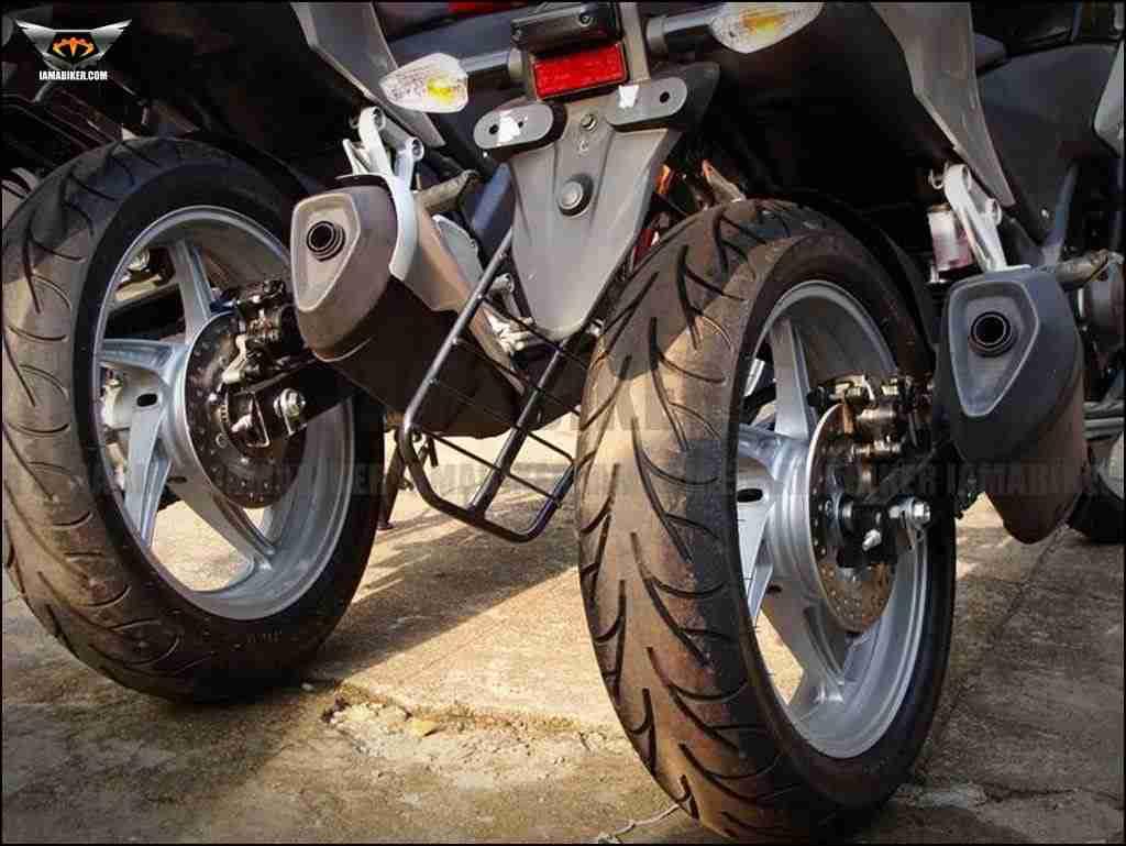 Honda CBR250R back tyre