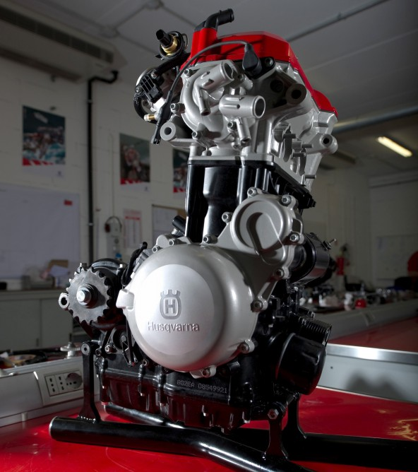 Husqvarna's new 900 cc engine