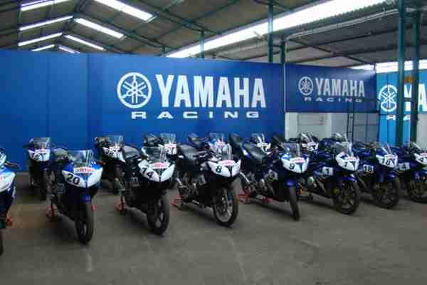 Yamaha R15 One Make Race Championship