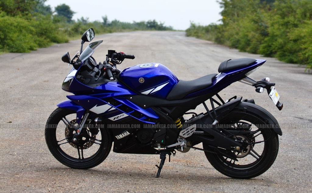 New Yamaha R15 V2.0 2011 07 yamaha r15 v2.0 yamaha r15 v2 review yamaha r15 2011 r15 v2 review r15 old versus new new r15 review new r15 motorcycle news india motorcycle news
