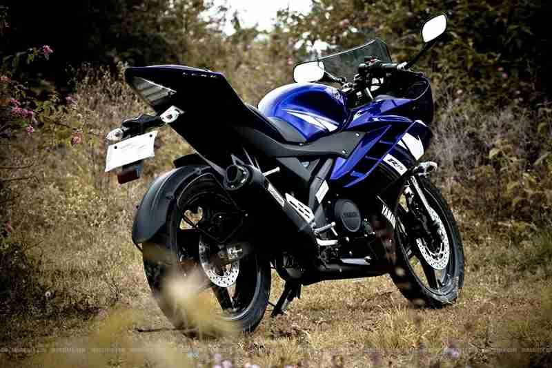 Yamaha YZF R15 Images  13 photos 7 videos BikeDekho