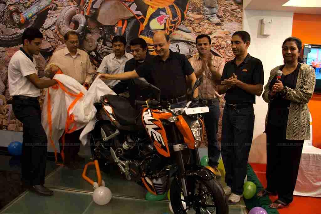 Um bikes showroom in bangalore dating