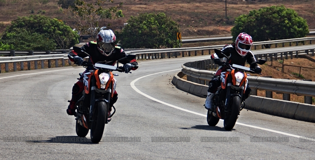 KTM Duke 200 duo KTM Duke 200 Review