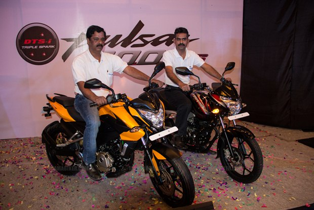 Pulsar 200NS launched in Bangalore Pulsar 200NS & Discover 125ST launched in Bangalore