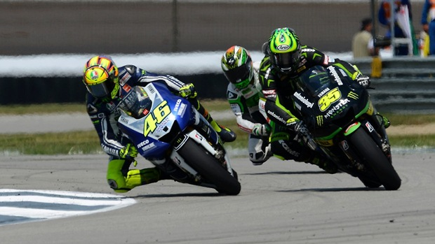 valentino rossi indianapolis pass over crutchlow