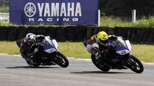 2013 Yamaha YZF-R15 One Make Race Championship round 4