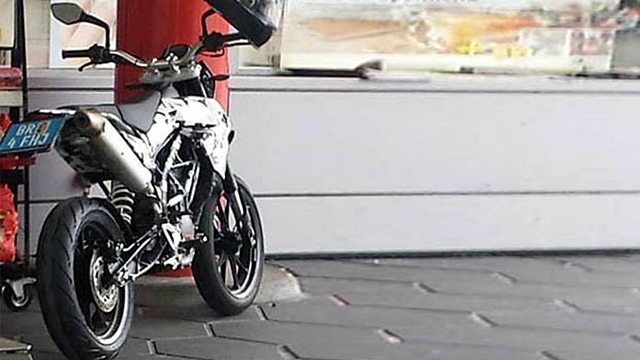 KTM planning a supermoto 200 390