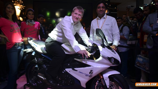 triumph daytona 675 launched in india auto expo 2014