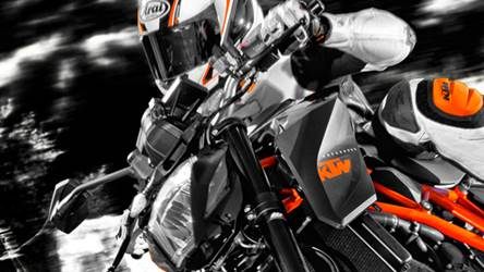 KTM 1290 Super Duke R Action