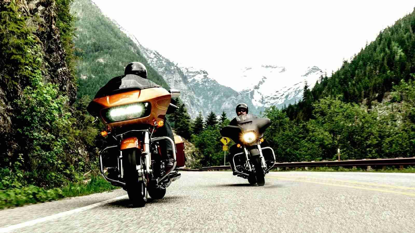 2015 Harley Davidson Road Glide - on road