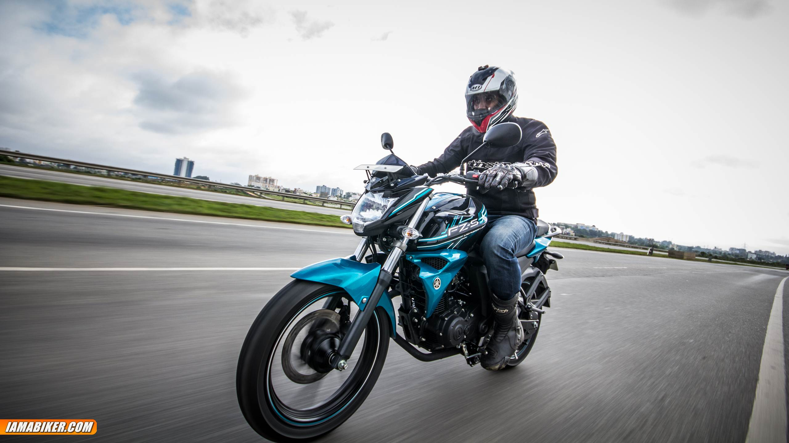 Yamaha FZ-S V2.0 review engine and performance