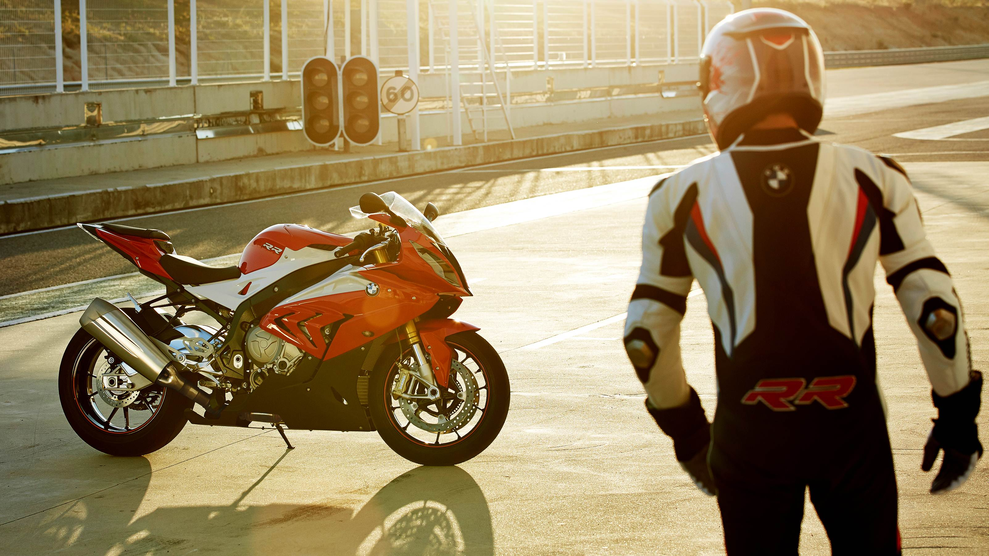 2015 bmw s1000rr unveiled