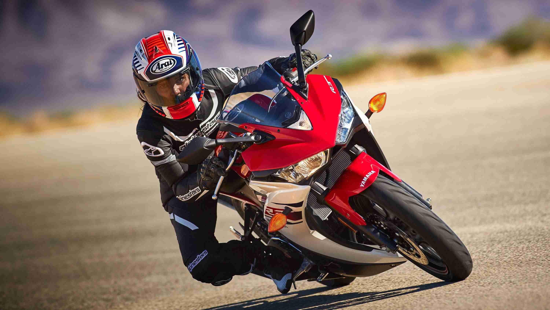 2015 Yamaha YZF-R3 - red