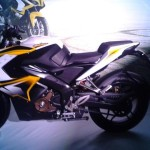 pulsar 200 ss yellow colour left side