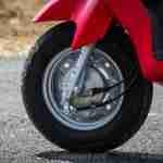 Suzuki Lets scooter front tyre brake