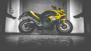 Pulsar RS 200 HD wallpaper non ABS yellow