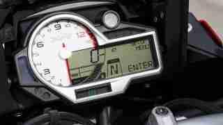 2015 BMW S1000XR speedometer