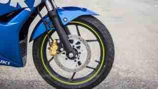 Suzuki Gixxer SF images - front tyre