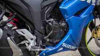 Suzuki Gixxer SF images - kick start