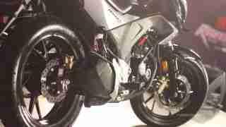 Honda CB Hornet 160R exhaust