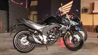 Honda CB Hornet 160R side view