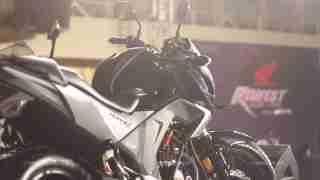 Honda CB Hornet 160R sideprofile
