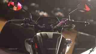 Honda CB Hornet 160R tank