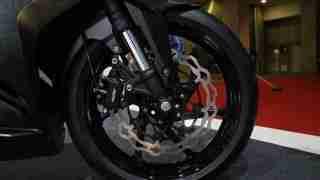 Honda CBR 250RR brakes
