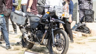 Royal Enfield Himalayan black colour option