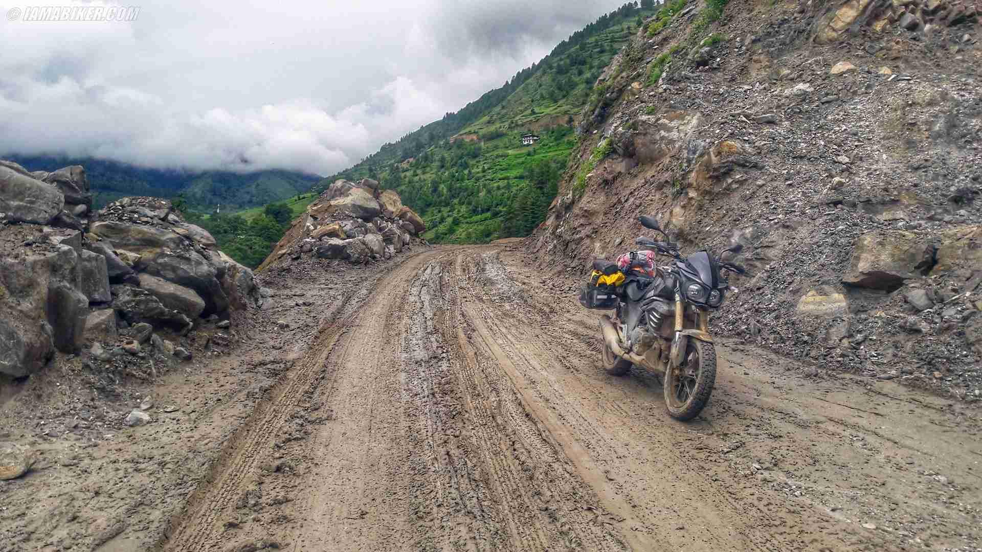 Sarath Shenoy - Bhutan - Mahindra Mojo - (7)