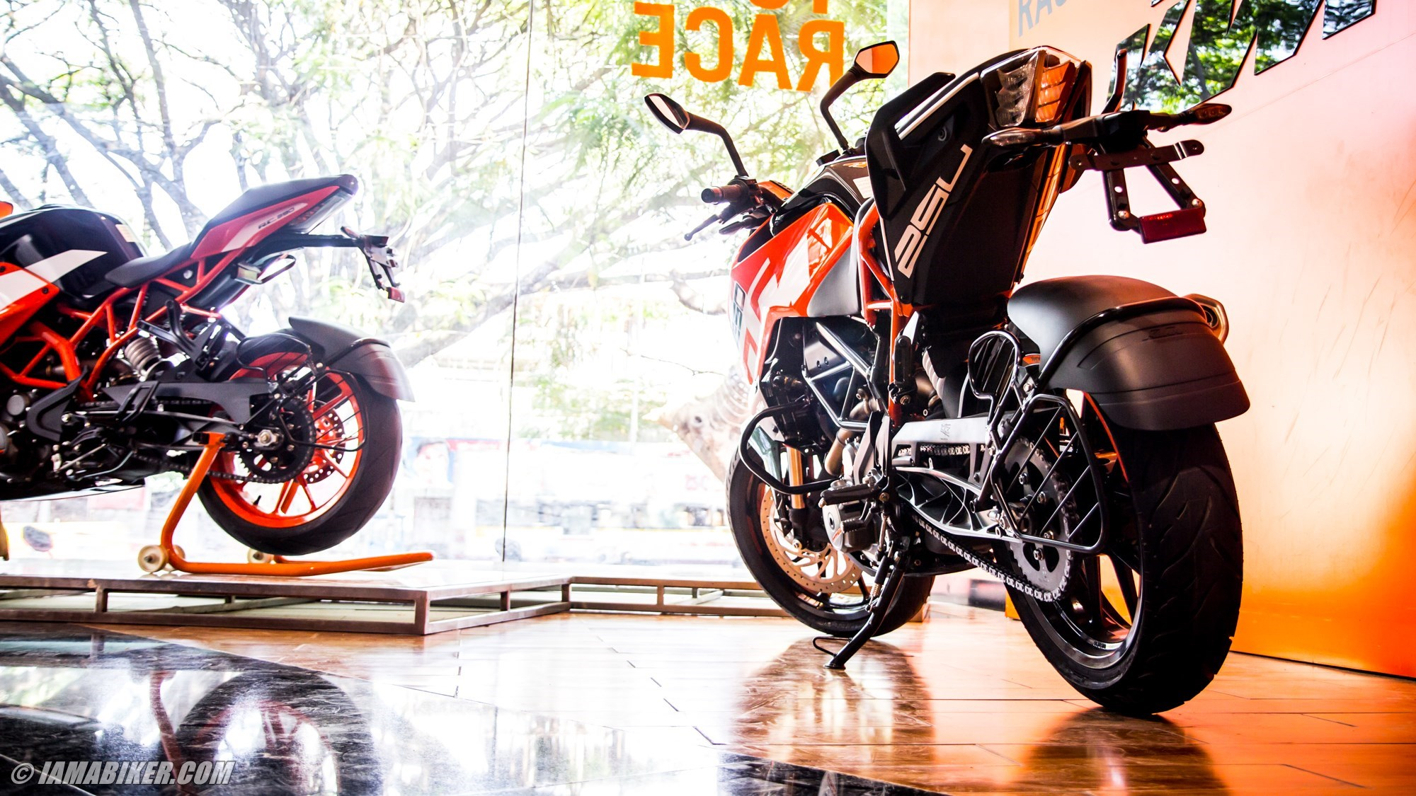 Ktm Duke 250 Hd Wallpaper Iamabiker Everything Motorcycle