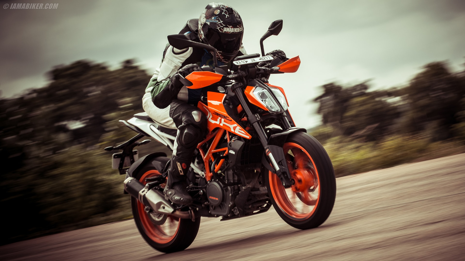 2017 KTM Duke 390 Detailed Review