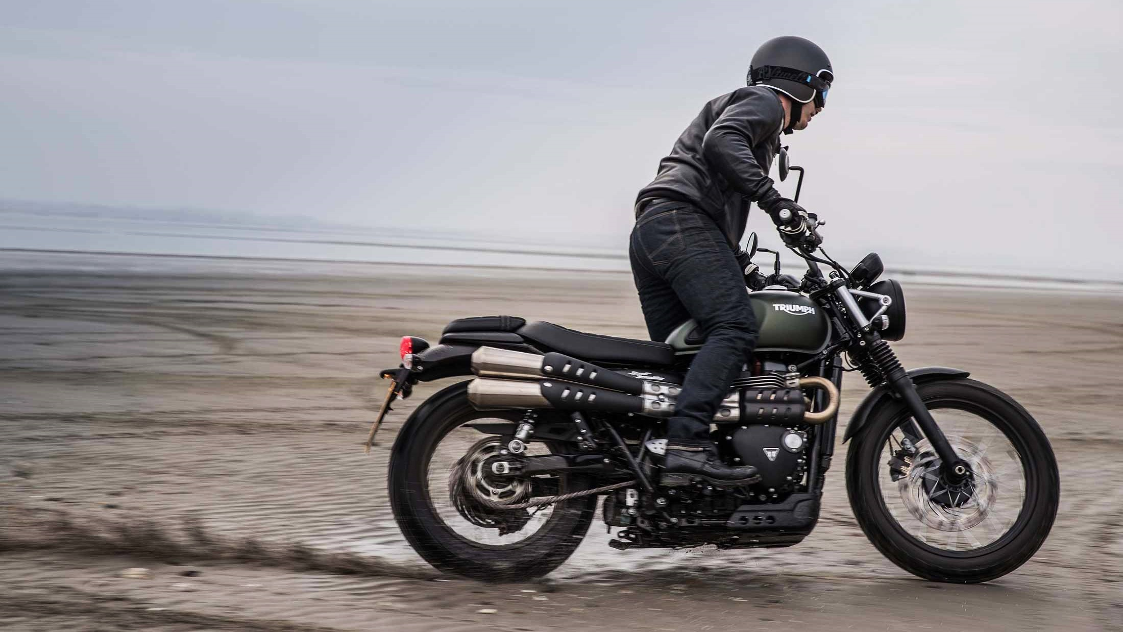 2017 triumph street scrambler launched at rs lakhs iamabiker. Black Bedroom Furniture Sets. Home Design Ideas