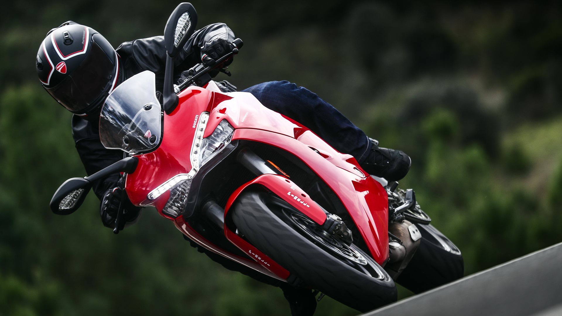 Ducati SuperSport India red