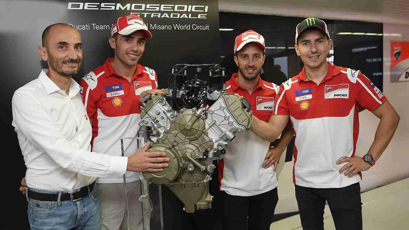 Unveiling Desmosedici Stradale V4 engine