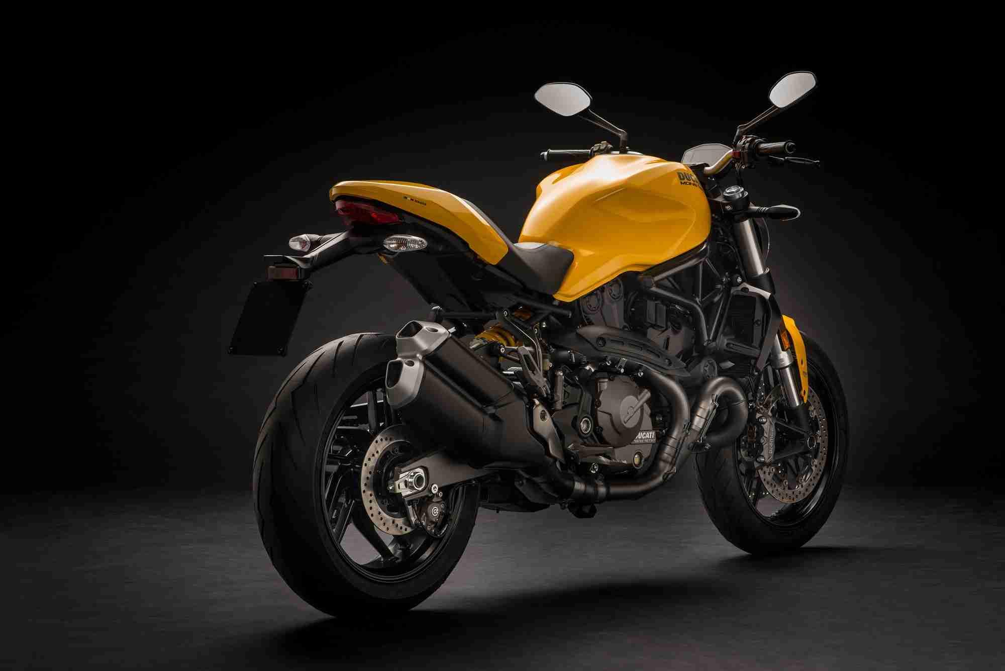 2018 Ducati Monster 821 goes yellow