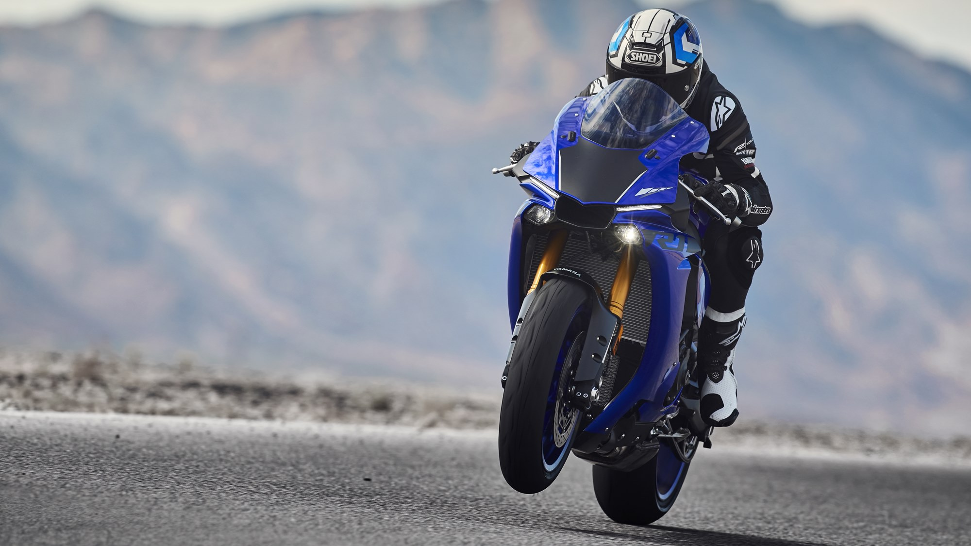 2018 Yamaha YZF-R1 launched at Rs. 20.73 lakh in India | IAMABIKER