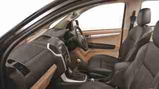2018 ISUZU D-MAX V-Cross -Dashboard-side view
