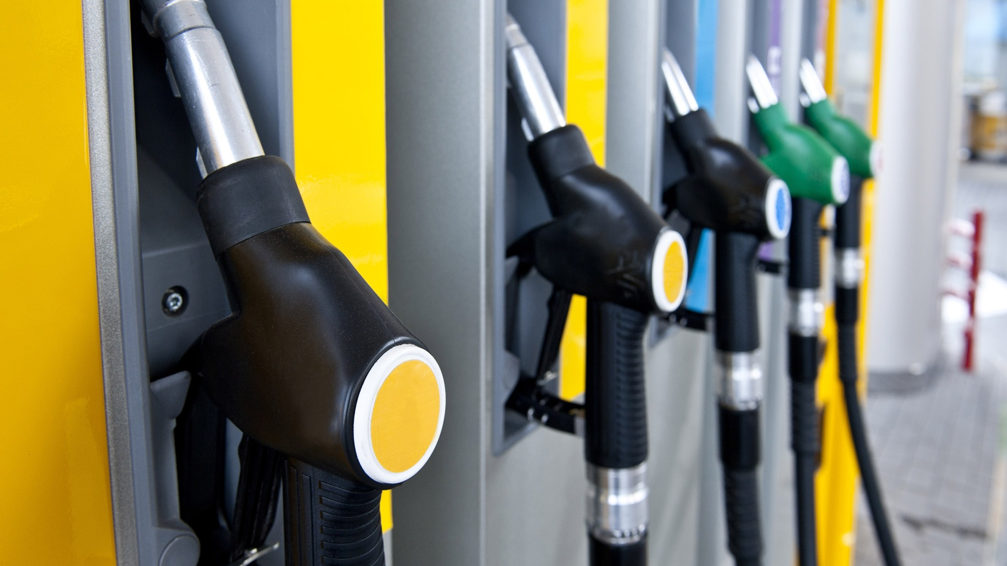 Delhi to get BS VI fuel from April 2018, rest of India 2020