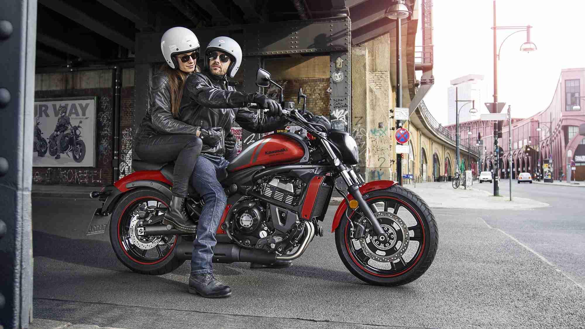 Yzf 1000 Side By Side Yzf R1m 2017 Motorrder Yamaha Motor