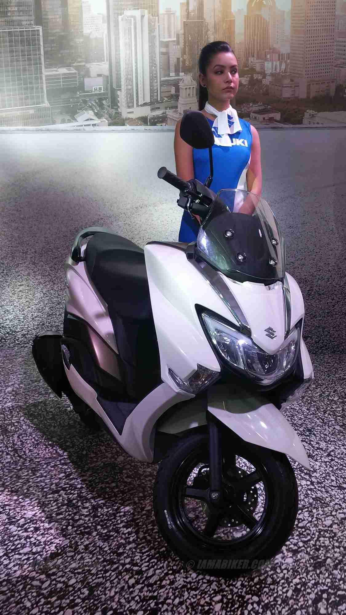 Harley Street 500 >> Suzuki Burgman Street white | IAMABIKER