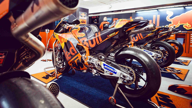 Tech3 KTM RC16