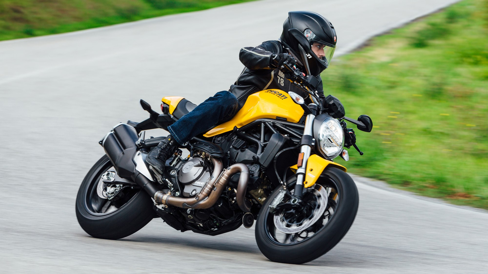 2018 Ducati Monster 821 Yellow