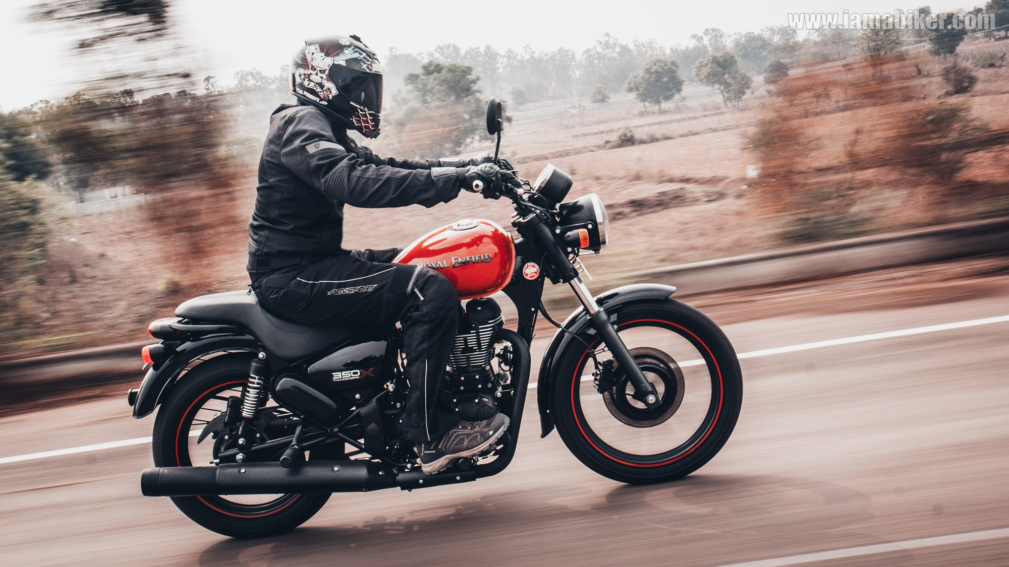royal enfield thunderbird 350x review iamabiker. Black Bedroom Furniture Sets. Home Design Ideas