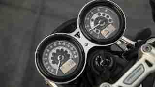 Triumph Speed Twin 1200 instrument meter
