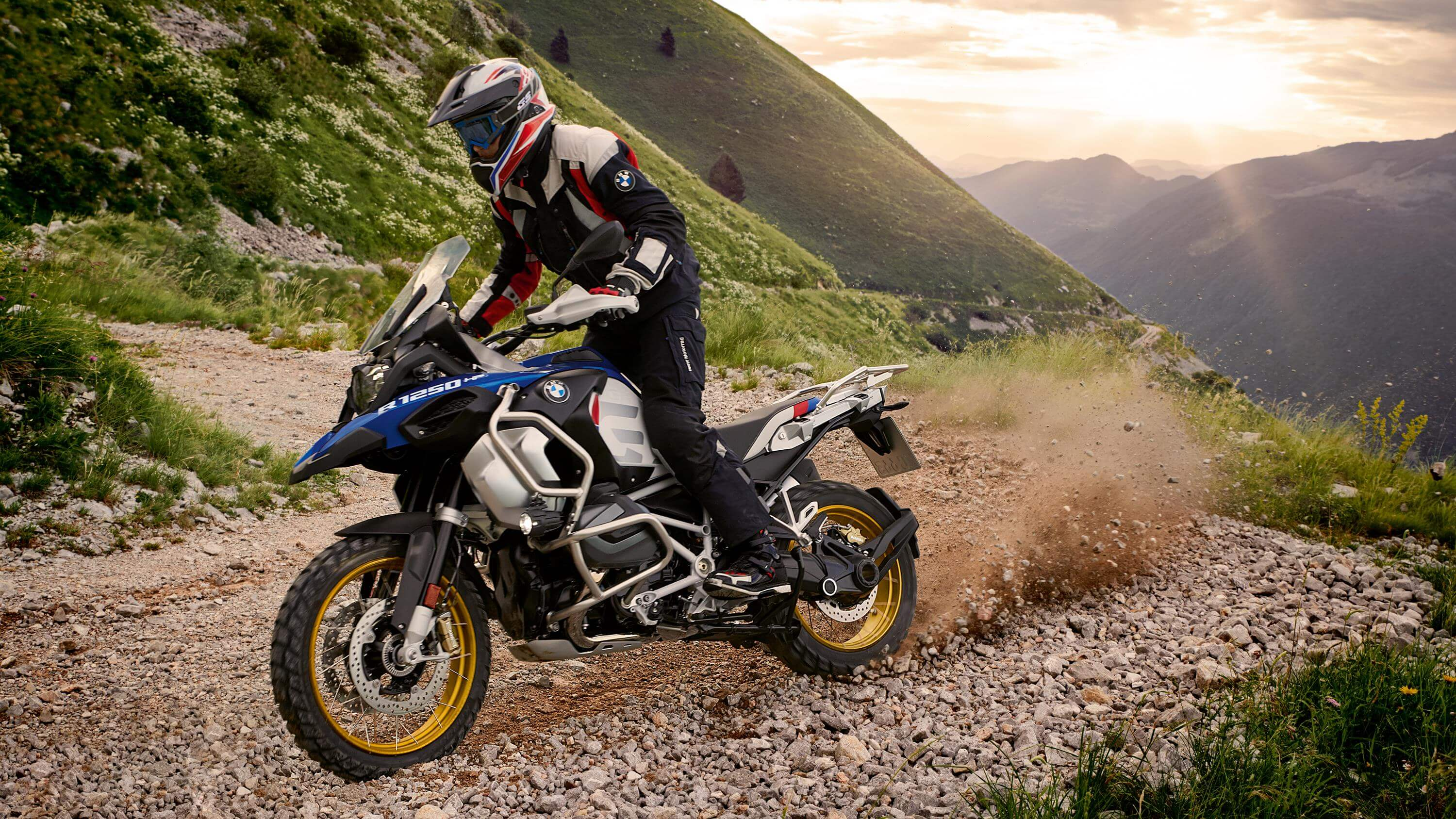 Bookings for flagship BMW R 1250 GS and R 1250 GS Adventure begin