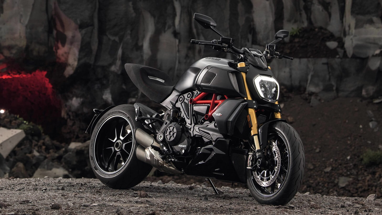 Ducati Diavel 1260 bags Red Dot Design Award for 2019