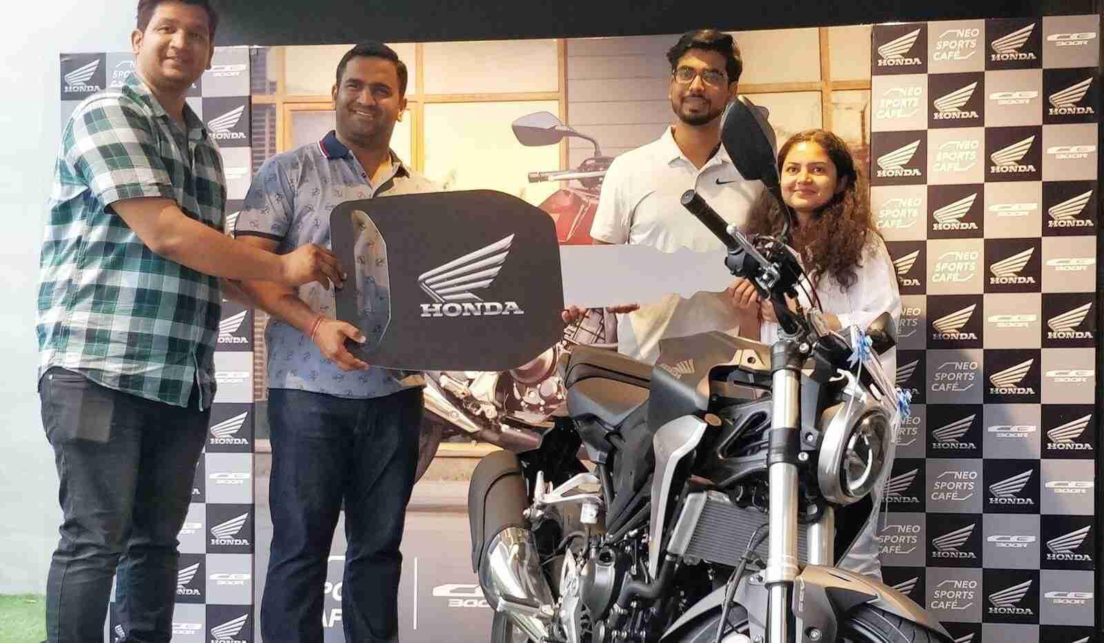 Honda CB300R delivery