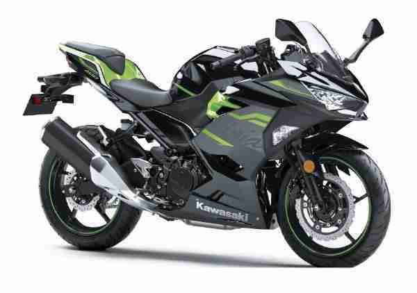 Kawasaki Ninja 400 Metallic Spark BlackLime Green