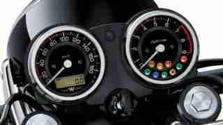 2020 Kawasaki W800 instrument meter